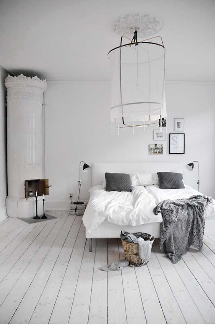 dreamy-white-bedroom-via-fashionsquad