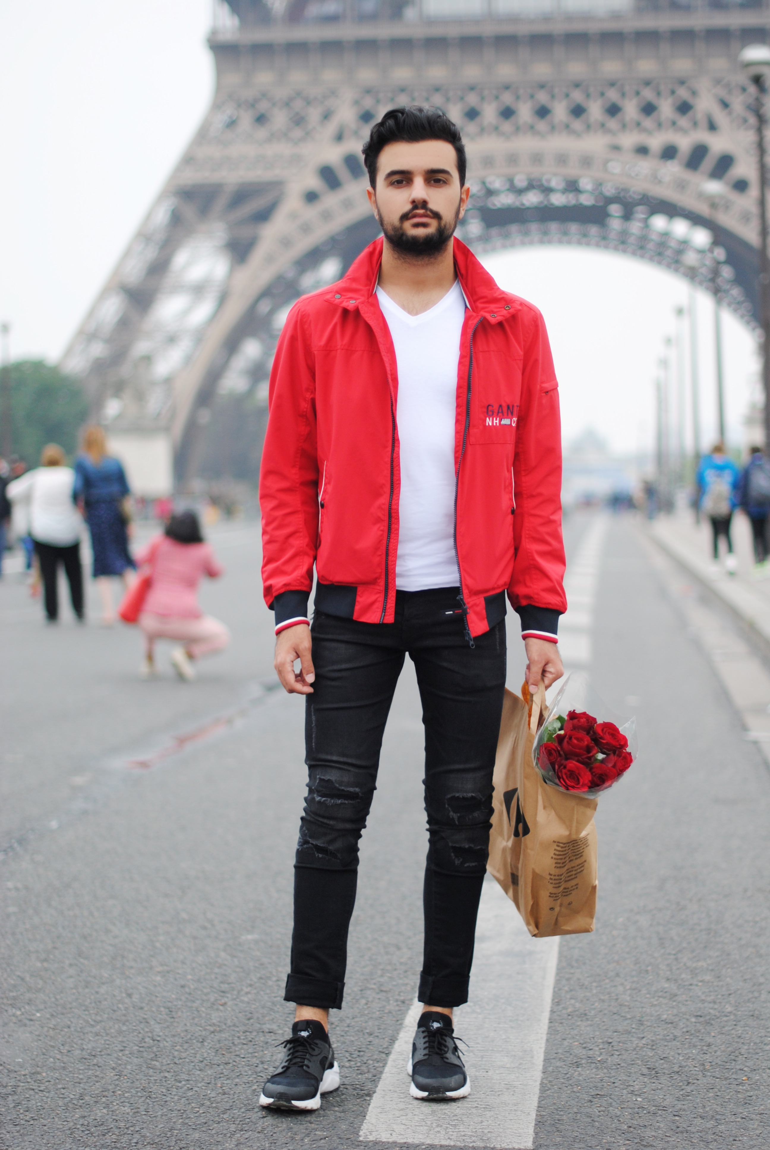 Kubilay Sakarya Kırmızı Mont Paris
