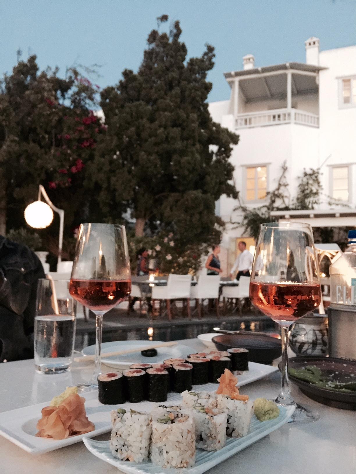 mykonos-belvedere-hotel-sushi