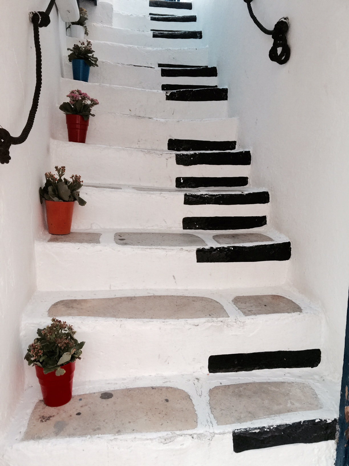 mykonos-piano-stairs